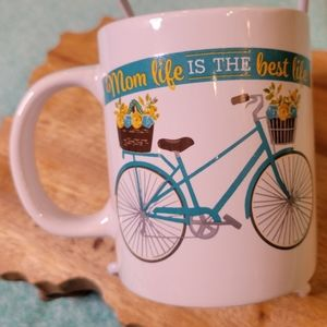 """Mom life is the best life"" Inspirational mug"